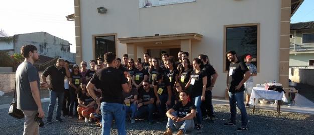 """UMADJO Reflexo leva o """"Dia Solidário"""" à comunidade do Vigorelli"""