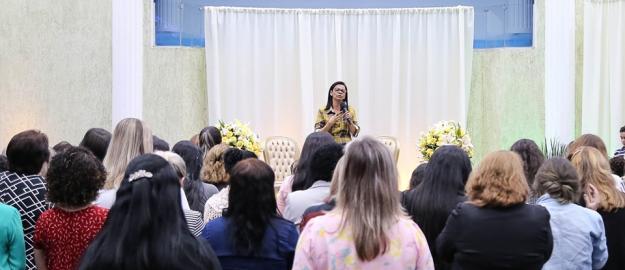 Mulheres participam de palestra sobre Setembro Amarelo na IEADJO